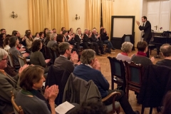 "Publikumsanimation mit Johannes Potzel. Hommage an Steve Reichs ""Clapping Music"""