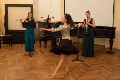 Riho Otsu (Tanz), A. Dietz (Klarinette), M. Schönbichler (Flöte) und Y. Sugimoto-Shestiperov (Klavier)